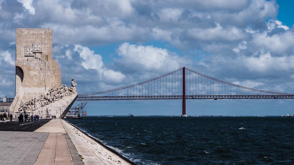 Padrão dos DescobrimentosMonument and Ponte 25 de Abril Bridge in Belém, Lisbon in Portugal