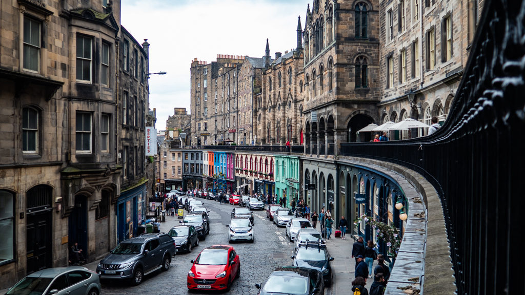 Victoria Street in Edinburgh | 3 Days in Edinburgh