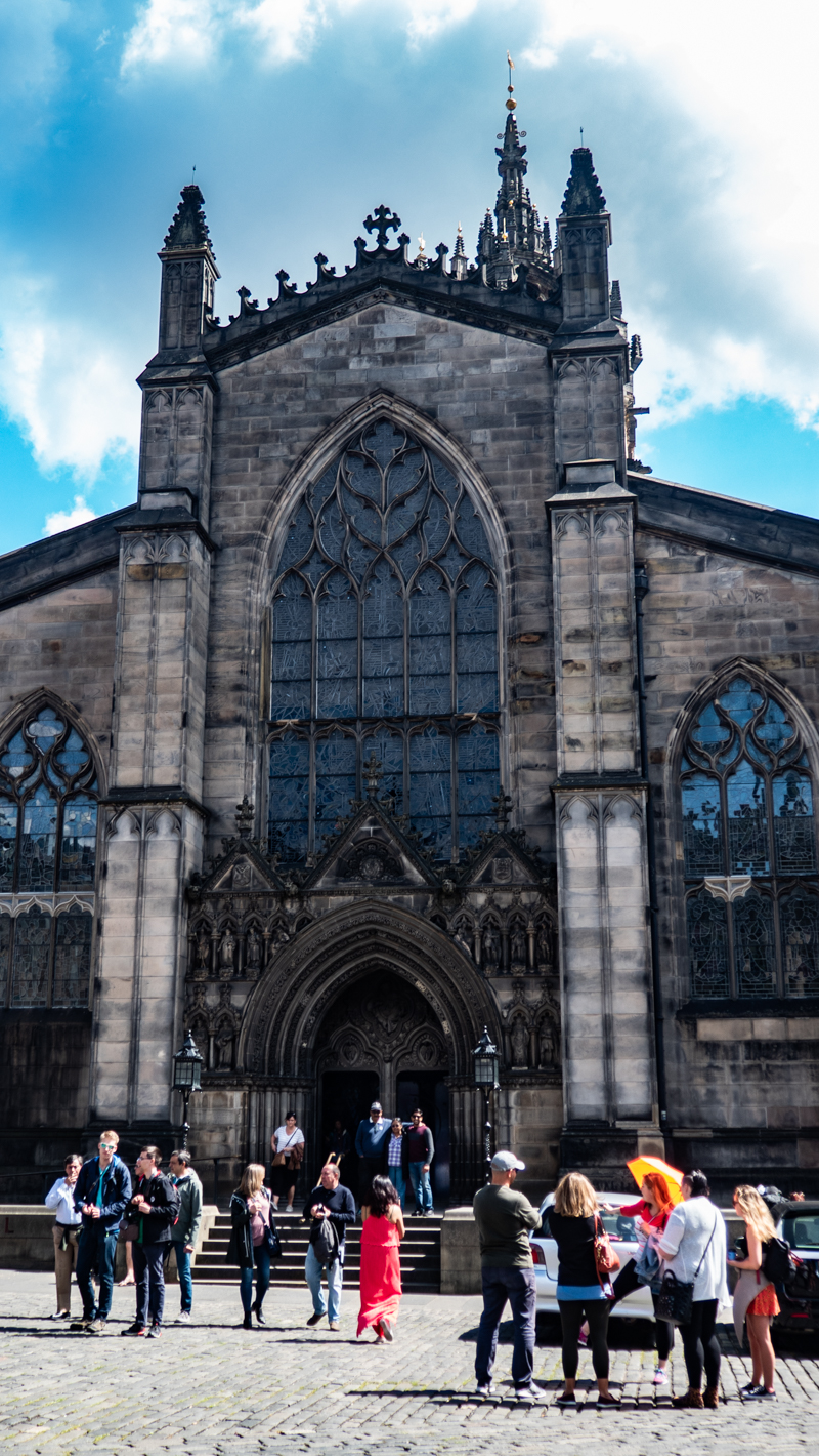 Outside the front of St Giles Cathedral in Edinburgh | 3 Days in Edinburgh