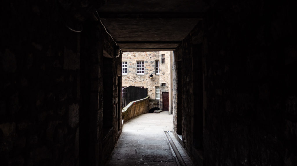 A cobbled close in Edinburgh