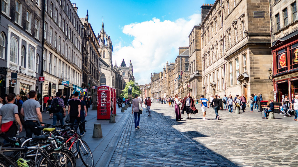 Royal Mile in Edinburgh | 3 Days in Edinburgh