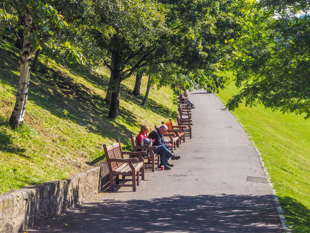 Benches in Princes Street Gardens in Edinburgh | 3 Days in Edinburgh