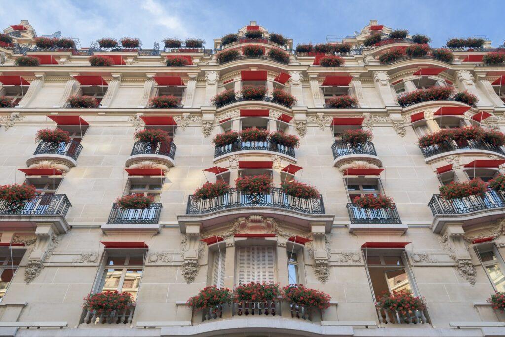 Hôtel Plaza Athénée, 25 Avenue Montaigne in Paris, France Sex and the City Filming Location