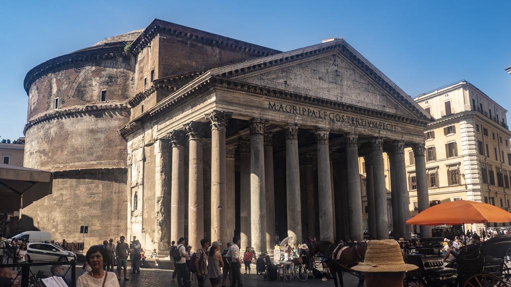Pantheon in Piazza Della Rotunda in Rome, Italy